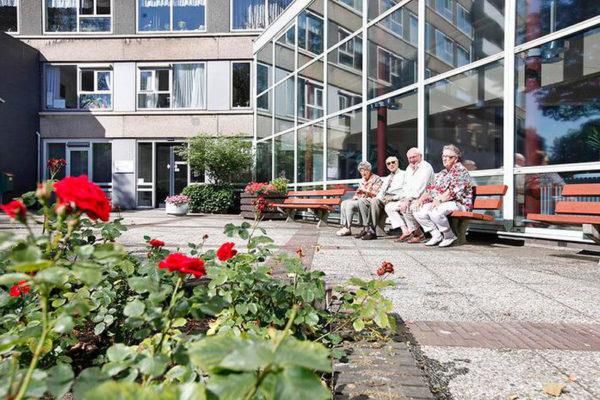 senioren bij appartementen Coornhert